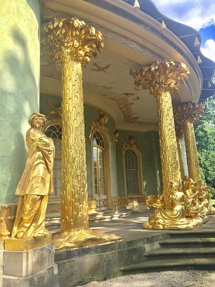 Gullhuset 1